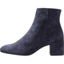 Högl Ankle boot dark blue. Niebieskie botki damskie skórzane marki HÖGL. Za 649,00 zł.