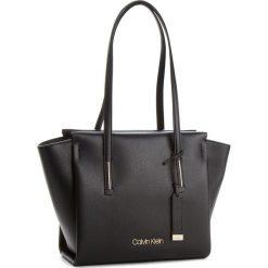 Torebka CALVIN KLEIN - Frame Medium Shopper K60K604369 001. Czarne shopper bag damskie Calvin Klein, ze skóry ekologicznej. Za 599,00 zł.