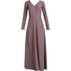 Dry Lake SHADOWY  Długa sukienka light pink. Czerwone długie sukienki Dry Lake, s, z materiału, z długim rękawem. W wyprzedaży za 524,30 zł.