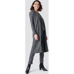 Rut&Circle Kurtka w ciemną kratkę - Grey. Zielone kurtki damskie marki Rut&Circle, z dzianiny, z okrągłym kołnierzem. Za 283,95 zł.