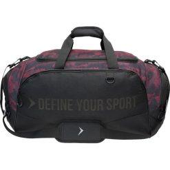 Torba sportowa TPU607A - czarny - Outhorn. Czarne torby podróżne Outhorn, moro, z gumy. W wyprzedaży za 44,99 zł.