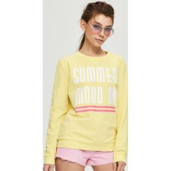 Bluzy rozpinane damskie: Bluza z napisem summer mood on - Żółty