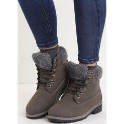 Szare Traperki Stitches. Czerwone buty zimowe damskie marki Reserved, na niskim obcasie. Za 79,99 zł.