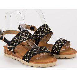 Ażurowe płaskie sandały PRIMAVERA czarne. Czarne sandały damskie Primavera, w ażurowe wzory, na płaskiej podeszwie. Za 49,90 zł.