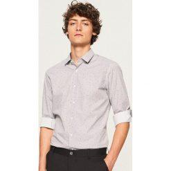 Koszula z mikroprintem regular fit - Pomarańczo. Szare koszule męskie marki House, l, z bawełny. Za 89,99 zł.