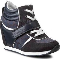 Sneakersy CALVIN KLEIN JEANS - Viridiana RE9264 Blue/Blue. Niebieskie sneakersy damskie marki Calvin Klein Jeans, z jeansu. W wyprzedaży za 359,00 zł.