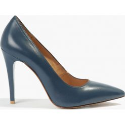 Czółenka granatowe Amanda. Niebieskie buty ślubne damskie Badura. Za 255,99 zł.
