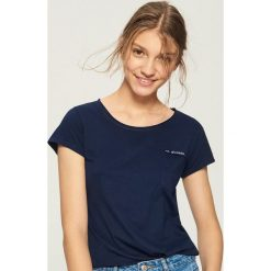 T-shirt z kieszenią - Granatowy. Niebieskie t-shirty damskie Sinsay, l. Za 14,99 zł.
