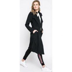 Answear - Płaszcz Sporty Fusion. Szare płaszcze damskie ANSWEAR, l, w paski, z materiału, klasyczne. W wyprzedaży za 149,90 zł.