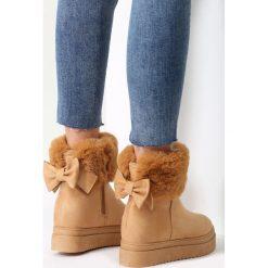 Camelowe Śniegowce Do Ya Think. Brązowe buty zimowe damskie marki vices, z materiału, ze szpiczastym noskiem, na wysokim obcasie, na obcasie. Za 99,99 zł.