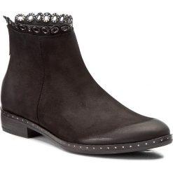 Botki CARINII - B4193 360-000-PSK-C63. Czarne buty zimowe damskie Carinii, z materiału. W wyprzedaży za 229,00 zł.