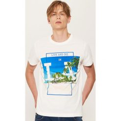 T-shirt z fotonadrukiem - Kremowy. Białe t-shirty męskie House, l. W wyprzedaży za 19,99 zł.