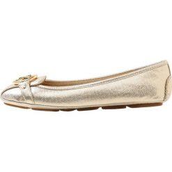 MICHAEL Michael Kors FULTON MOC Baleriny pale gold. Czarne baleriny damskie marki MICHAEL Michael Kors, z gumy, przed kolano, na wysokim obcasie. Za 509,00 zł.