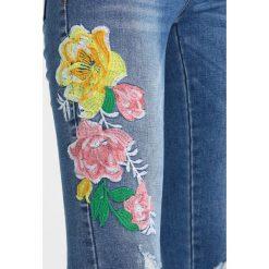 Vila VIJEANETT  Jeans Skinny Fit medium blue denim. Niebieskie jeansy damskie marki Vila. W wyprzedaży za 188,10 zł.