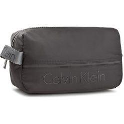 Kosmetyczka CALVIN KLEIN BLACK LABEL - Matthew 2.0 Washbag K50K503706  001. Czarne kosmetyczki męskie marki Calvin Klein Black Label. W wyprzedaży za 229,00 zł.
