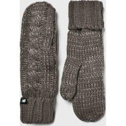 New Balance - Rękawiczki. Czerwone rękawiczki damskie New Balance, z dzianiny. Za 99,90 zł.