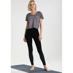 Yogasearcher TATTWA Tshirt z nadrukiem carbon. Szare t-shirty damskie Yogasearcher, l, z nadrukiem, z bawełny. Za 209,00 zł.