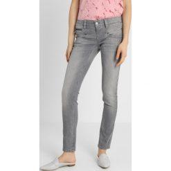 Freeman T. Porter ALEXA Jeansy Slim Fit nipa. Niebieskie jeansy damskie relaxed fit marki Freeman T. Porter. Za 419,00 zł.