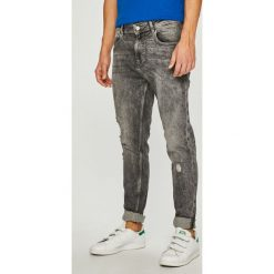 Guess Jeans - Jeansy Charlie. Szare jeansy męskie slim Guess Jeans. Za 459,90 zł.