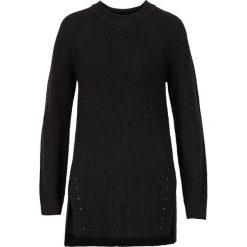 Sweter dzianinowy bonprix czarny. Czarne swetry klasyczne damskie bonprix, z dzianiny, ze stójką. Za 49,99 zł.