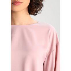 Bluzki asymetryczne: NORR TRACY Bluzka rose dust