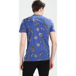 Ted Baker GRIFON FLORAL PRINT Tshirt z nadrukiem dark blue. Niebieskie t-shirty męskie z nadrukiem Ted Baker, m, z bawełny. Za 299,00 zł.