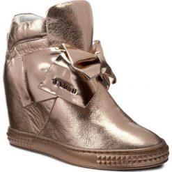 Sneakersy CARINII - B3835 J27-J26-000-B88. Czerwone sneakersy damskie Carinii, z materiału. W wyprzedaży za 259,00 zł.