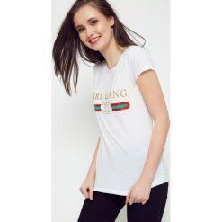 Bluzka Girl Gang biała. Białe bluzki dziewczęce bawełniane marki FOUGANZA. Za 12,99 zł.