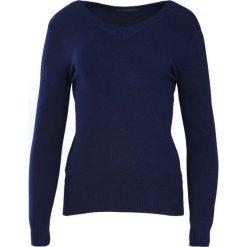 Granatowy Sweter Just A Drop. Niebieskie swetry klasyczne damskie Born2be, l, z dzianiny, z dekoltem w serek. Za 49,99 zł.