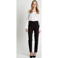 Długie czarne spodnie w kant z wysokim stanem BIALCON. Czerwone spodnie z wysokim stanem marki BIALCON, na co dzień, oversize. Za 189,00 zł.