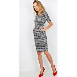 Sukienki balowe: Sukienka z ozdobnym wzorem