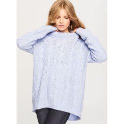 Sweter oversize - Niebieski. Niebieskie swetry oversize damskie Reserved, l. W wyprzedaży za 69,99 zł.