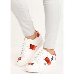 Biało-Czerwone Buty Sportowe Teran. Białe buty sportowe damskie marki Born2be, z lakierowanej skóry. Za 49,99 zł.