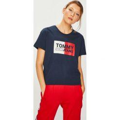 Tommy Jeans - Top. Brązowe topy damskie Tommy Jeans, s, z nadrukiem, z bawełny, z okrągłym kołnierzem. Za 159,90 zł.