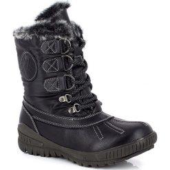 """Kozaki """"Bianca"""" w kolorze czarnym. Szare buty zimowe damskie marki Marco Tozzi. W wyprzedaży za 302,95 zł."""