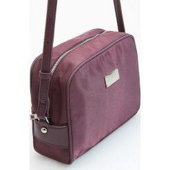 Torebka cross body - Fioletowy. Fioletowe torebki klasyczne damskie Reserved. W wyprzedaży za 49,99 zł.