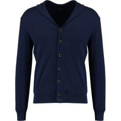 Swetry rozpinane męskie: Cortefiel AMERICANA Kardigan marine blue