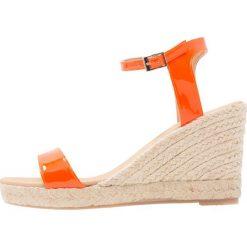 Rzymianki damskie: Carvela Sandały na obcasie orange