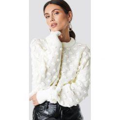 NA-KD Sweter Bubble - Offwhite. Szare swetry oversize damskie NA-KD, z dzianiny. Za 161,95 zł.