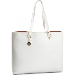 Torebka COCCINELLE - DS5 Alpha E1 DS5 11 02 01 Blanche H10. Białe torebki klasyczne damskie Coccinelle, ze skóry. Za 1249,90 zł.