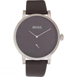 Zegarek kwarcowy w kolorze czarno-srebrnym. Czarne, analogowe zegarki męskie marki HUGO BOSS, ze stali. W wyprzedaży za 608,95 zł.