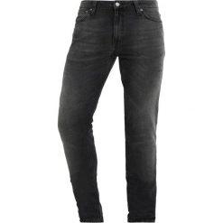 Nudie Jeans LIN Jeans Skinny Fit black movement. Czarne rurki męskie marki Criminal Damage. Za 579,00 zł.