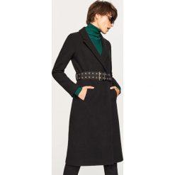 Płaszcz z paskiem w talii - Czarny. Czarne płaszcze damskie marki Reserved. Za 299,99 zł.