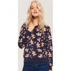 Bluza ze świątecznym motywem - Granatowy. Fioletowe bluzy damskie marki Reserved, l, z kapturem. Za 69,99 zł.