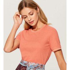 Koszulka z ozdobną lamówką - Pomarańczo. Różowe t-shirty damskie Mohito, l. Za 49,99 zł.