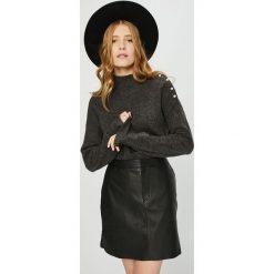 Vero Moda - Sweter Agoura. Czarne swetry klasyczne damskie Vero Moda, l, z dzianiny. W wyprzedaży za 119,90 zł.