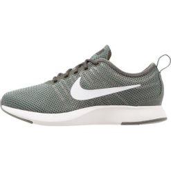 Nike Sportswear DUALTONE RACER (GS) Tenisówki i Trampki river rock/white/sequoia/port wine. Zielone trampki chłopięce Nike Sportswear, z materiału. Za 289,00 zł.