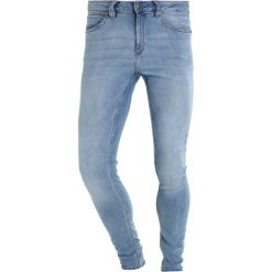 Cheap Monday HIM SPRAY Jeans Skinny Fit stone bleach. Niebieskie rurki męskie Cheap Monday. Za 209,00 zł.