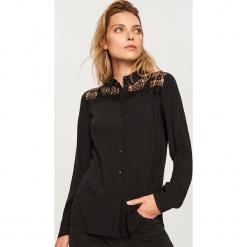 Koszula - Czarny. Czarne koszule damskie marki Reserved. W wyprzedaży za 39,99 zł.