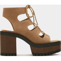 Rzymianki damskie: Sandały rzymianki na platformie